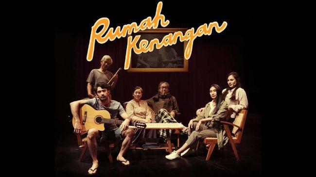 Sejumlah penggawa teater Indonesia bergabung dalam proyek pementasan daring bertajuk Rumah Kenangan yang akan disiarkan streaming pertengahan Agustus mendatang.