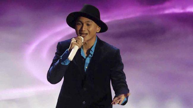 Erdian Aji Prihartanto alias Anji mulai dikenal luas publik sejak menjadi vokalis Drive. Dia kini lebih sering menampilkan konten di Youtube Dunia Manji.