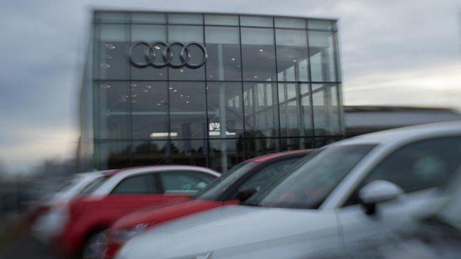 Usai mengunggah konten iklan tersebut di Twitter, Audi mendapat berbagai kritikan mulai dari isu keselamatan hingga seksual.