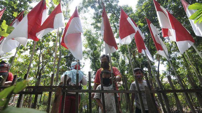 Gubernur Sumbar dan Wali kota Surabaya menerbitkan edaran untuk memasang bendera merah putih selama sebulan penuh untuk memperingati HUT ke-76 RI.