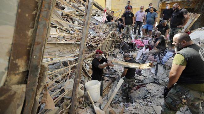 Ledakan dahsyat di Beirut, Libanon, pada Selasa (4/8) terekam saat seorang juru kamera sedang menddokumentasikan video pernikahan pengantin setempat.
