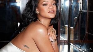 Rihanna meluncurkan lini skincare bernama Fenty Skin setelah sebelumnya sukses dengan lini makeup Fenty Beauty.