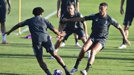 FOTO: Rambut Baru Ronaldo Jelang Juventus vs Lyon
