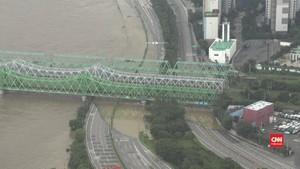 VIDEO: 16 Tewas Akibat Banjir di Korea Utara