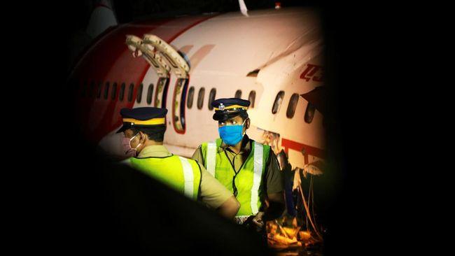 Pesawat Air India Express tergelincir di Bandara Calicut, India pada Jumat (7/8) malam dan menelan 17 korban meninggal dunia.