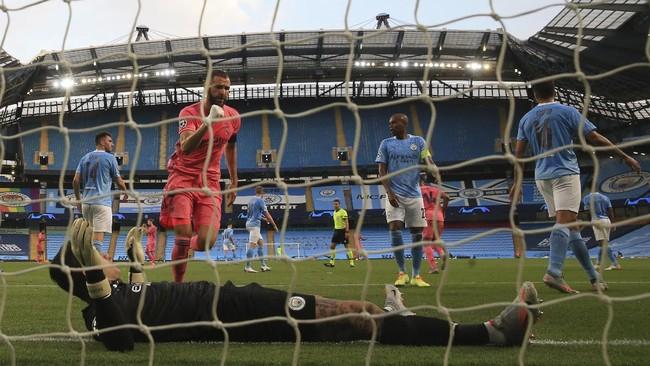 Manchester City berhasil menyingkirkan Real Madrid dari ajang Liga Champions. Berikut foto pilihan laga tersebut.