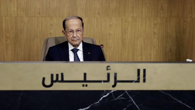 Presiden Libanon, Michel Aoun menyatakan kerugian materi dalam taksiran awal atas ledakan Beirut mencapai USD15 miliar atau setara Rp221 triliun.