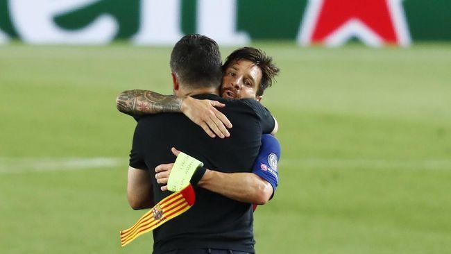 Lionel Messi tertangkap kamera marah ke wasit saat berusaha memberi selamat usai Barcelona memastikan lolos ke perempat final Liga Champions.