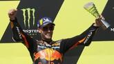 Brad Binder yang berstatus sebagai pembalap rookie di MotoGP 2020 tampil sebagai pemenang dalam MotoGP Ceko 2020, Minggu (9/8).
