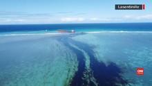 VIDEO: Melihat Tumpahan Minyak yang Mencemari Laut Mauritius