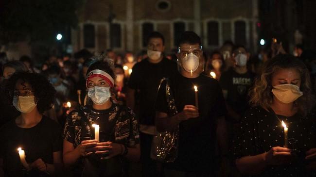 Gelombang protes di Beirut, Libanon terjadi sejak akhir pekan setelah ledakan dahsyat yang terjadi di sebuah gudang yang menyimpan amonium nitrat.