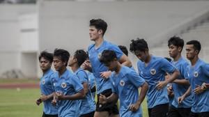 Asisten Pelatih Timnas U-19 Bangga Baggott Pakai Nomor 30