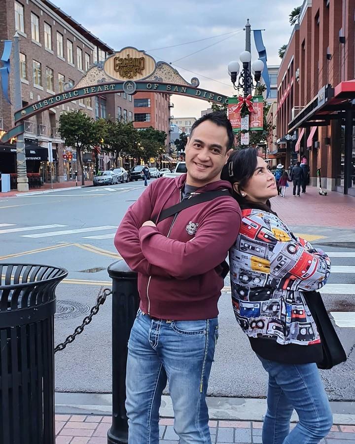 Ferry Irawan dan istrinya