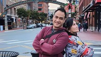 <p>Sebelum sakit, Ferry dan Anggi kerap traveling bareng, Bunda. Mereka tampak mesra dan menikmati momen traveling bersama. (Foto: Instagram @ferryirawanofficial)</p>