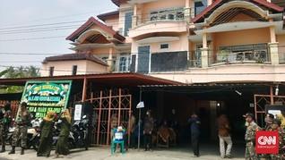Duka Keluarga Tokoh NU Joko Widodo Korban Ombak Gua Cemara