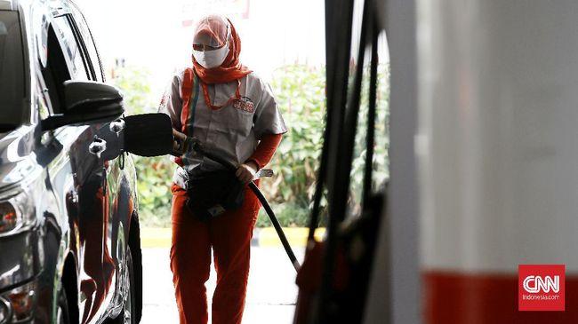 Pertamina menurunkan harga BBM jenis Pertamax sebesar Rp250 per liter mulai 12-31 Oktober 2020. Namun, diskon hanya diberikan melalui aplikasi MyPertamina,
