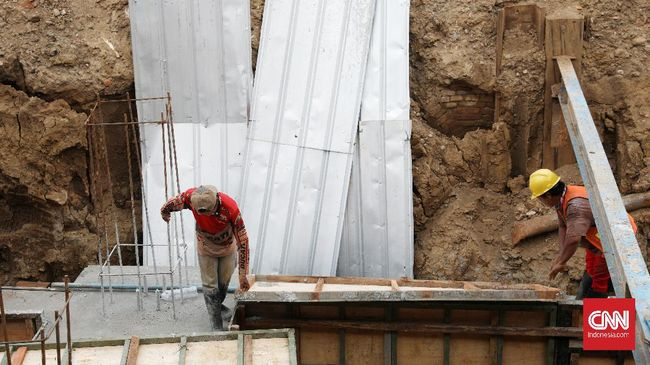 Pemkot Bekasi meminta Direktorat Perkeretaapian Kemenhub mengirim tim ahli untuk meneliti bangunan tua di Stasiun Bekasi