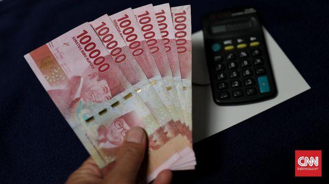 Menko Perekonomian Airlangga Hartarto yakin THR pekerja swasta dan PNS akan membuat uang senilai Rp150 triliun beredar di masyarakat pada lebaran tahun ini.