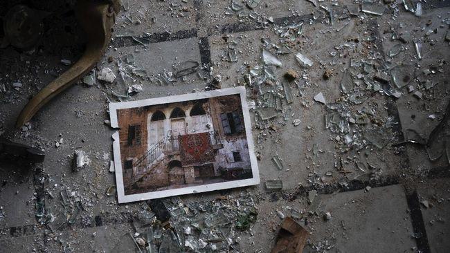 Setelah melakukan pencarian selama berhari-hari, petugas tak lagi menemukan tanda kehidupan dari korban ledakan Beirut di bawah reruntuhan.
