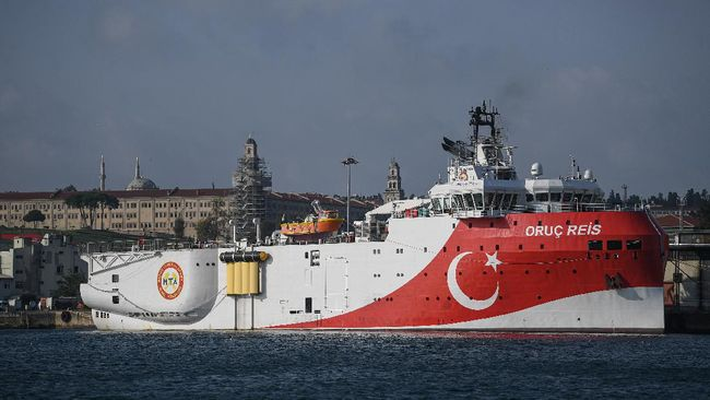 Pemerintah Yunani mengecam langkah Turki yang melanjutkan eksplorasi energi di kawasan timur Laut Mediterania, Senin (10/8).