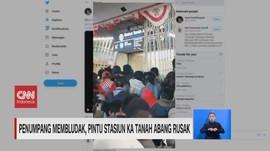 VIDEO: Penumpang Membludak, Pintu Stasiun Tanah Abang Rusak