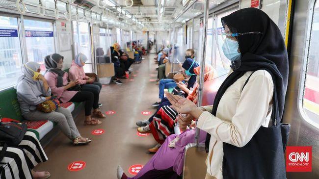 Penumpang KRL kini diizinkan makan dan minum di dalam rangkaian kereta selama waktu berbuka puasa hingga satu jam setelahnya.