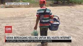 VIDEO: Siswa Berdagang Keliling untuk Beli Kuota Internet