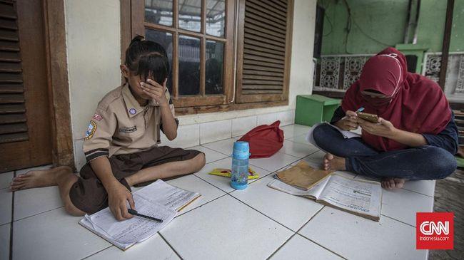 UNICEF menyatakan 463 juta anak di dunia kesulitan melakukan pembelajaran jarak jauh di tengah pandemi Covid-19.