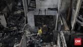 Ratusan warga Tambora mengungsi usai rumah mereka dilalap api, Rabu (12/8).