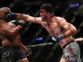 Cormier Tak Mau Terus Adu Pukul Lawan Miocic di UFC 252