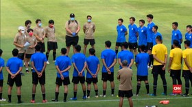 VIDEO: Shin Tae-Yong Coret 11 Pemain Timnas U-19