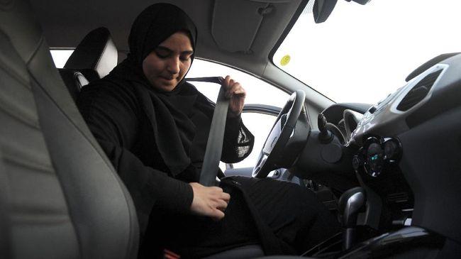 Sabuk pengaman merupakan perangkat keselamatan penting dalam mobil yang tidak boleh disepelekan dalam penggunaannya.