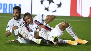 FOTO: Senyum Neymar Usai PSG Lolos Secara Dramatis