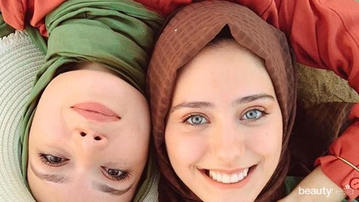 Biar Lebih Cantik, Ikuti Tips Pilih Hijab Sesuai Warna Kulit Berikut