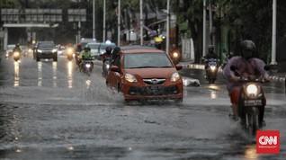 Jakarta Diguyur Hujan, Tol Cawang dan 7 RT Tergenang Air