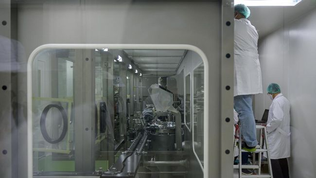 Komite Penanganan Covid-19 dan PEN menyebut distribusi vaksin corona akan dilakukan dengan mengandalkan digitalisasi menggandeng Telkom.