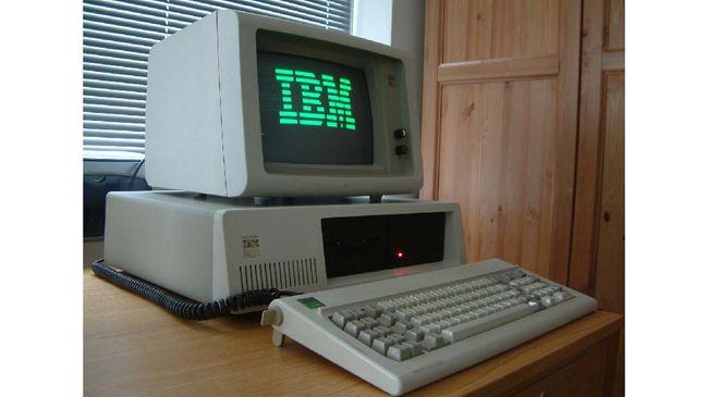 Berbeda dengan komputer lainnya pada dekade 1970-an, PC IBM dapat menjalankan ribuan software, mulai dari penjadwalan digital hingga word processing.