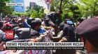 VIDEO: Demo Pekerja Pariwisata di Makassar Berakhir Ricuh