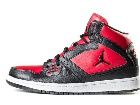 Sneaker Michael Jordan Terjual Rp9,1 Miliar