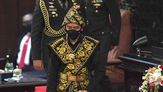 Massa Aksi Tolak Omnibus Law Surabaya Sindir Pidato Jokowi