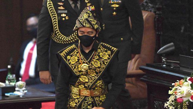Massa aksi menyebut pidato kenegaraan Presiden Jokowi tidak menampung aspirasi buruh dan elemen rakyat lain yang menolak RUU Omnibus Law Cipta Kerja.