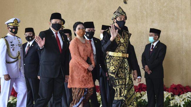Ketua DPR Puan Maharani mengingatkan Presiden Jokowi terkait ancaman keselamatan rakyat, perekonomian negara dan rumah tangga akibat corona.