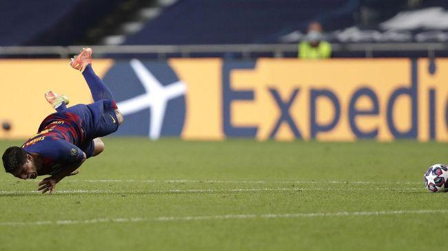 Barcelona menghalangi kepindahan Luis Suarez ke Atletico Madrid dengan gratis, meski sebelumnya sudah sepakat membiarkan Suarez pergi.