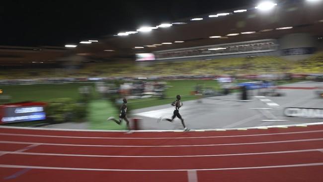 Pelari Uganda Joshua Cheptegei mencetak rekor baru lari 5000 meter putra di Diamon League. Cheptegei mematahkan rekor yang sudah bertahan lebih dari 16 tahun.