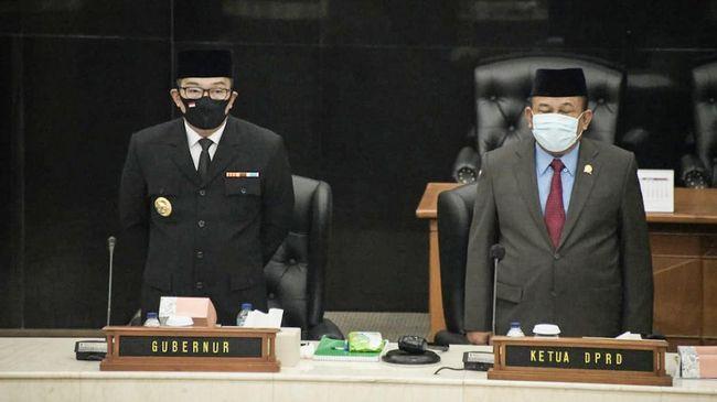 Usai mendengarkan pidato kenegaraan Jokowi dalam rangka HUT RI, Ridwan Kamil menilai pandemi bisa menjadi momen bagi Indonesia untuk berswasembada.