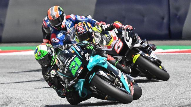 Pembalap Indonesia yang pernah tampil di Moto2, Dimas Ekky, menyebut kecelakaan di MotoGP Austria lantaran respek antar pembalap yang kurang.