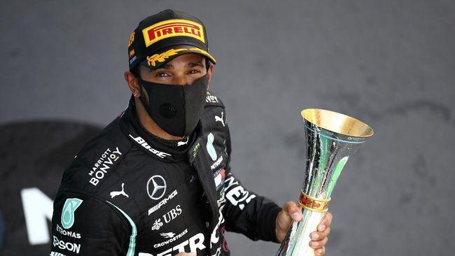 Pembalap Mercedes, Lewis Hamilton berhak atas pole position F1 GP Tuscan setelah mencatat waktu tercepat di babak kualifikasi.