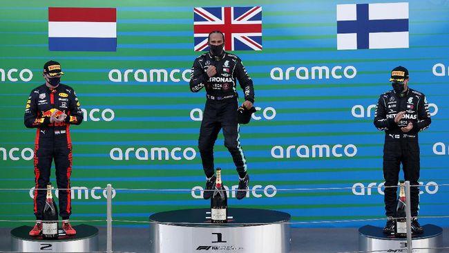 Pembalap Mercedes Lewis Hamilton menang Formula 1 (F1) Grand Prix (GP) Spanyol di Sirkuit Barcelona, Minggu (16/8).
