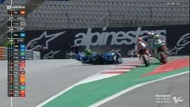VIDEO: Kecelakaan Syahrin Hantam Motor Bastianini di Moto2