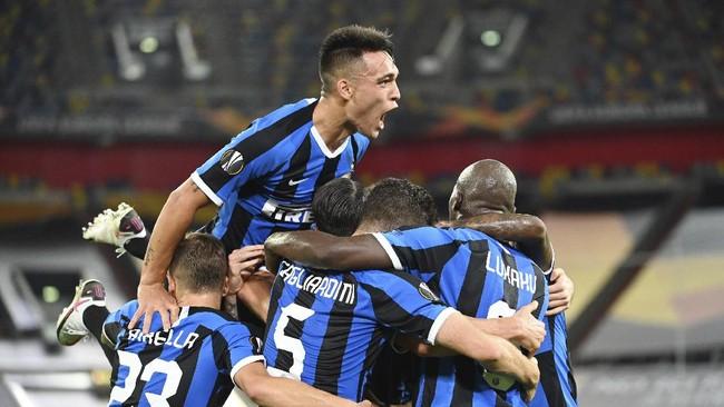 Inter Milan mengukir kemenangan besar 5-0 atas Shakhtar Donetsk untuk melangkah ke final Liga Europa dan meneror Sevilla.
